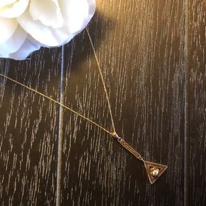 Jewelry - Vtg 14k Gold Solitaire Diamond Triangle Necklace